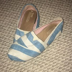 Toms size 9